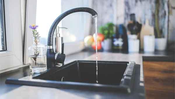 Un lave-vaisselle consomme moins d'eau